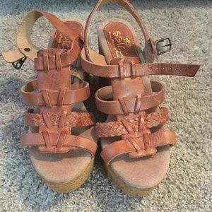 SBicca tan platform wedges size 8, new